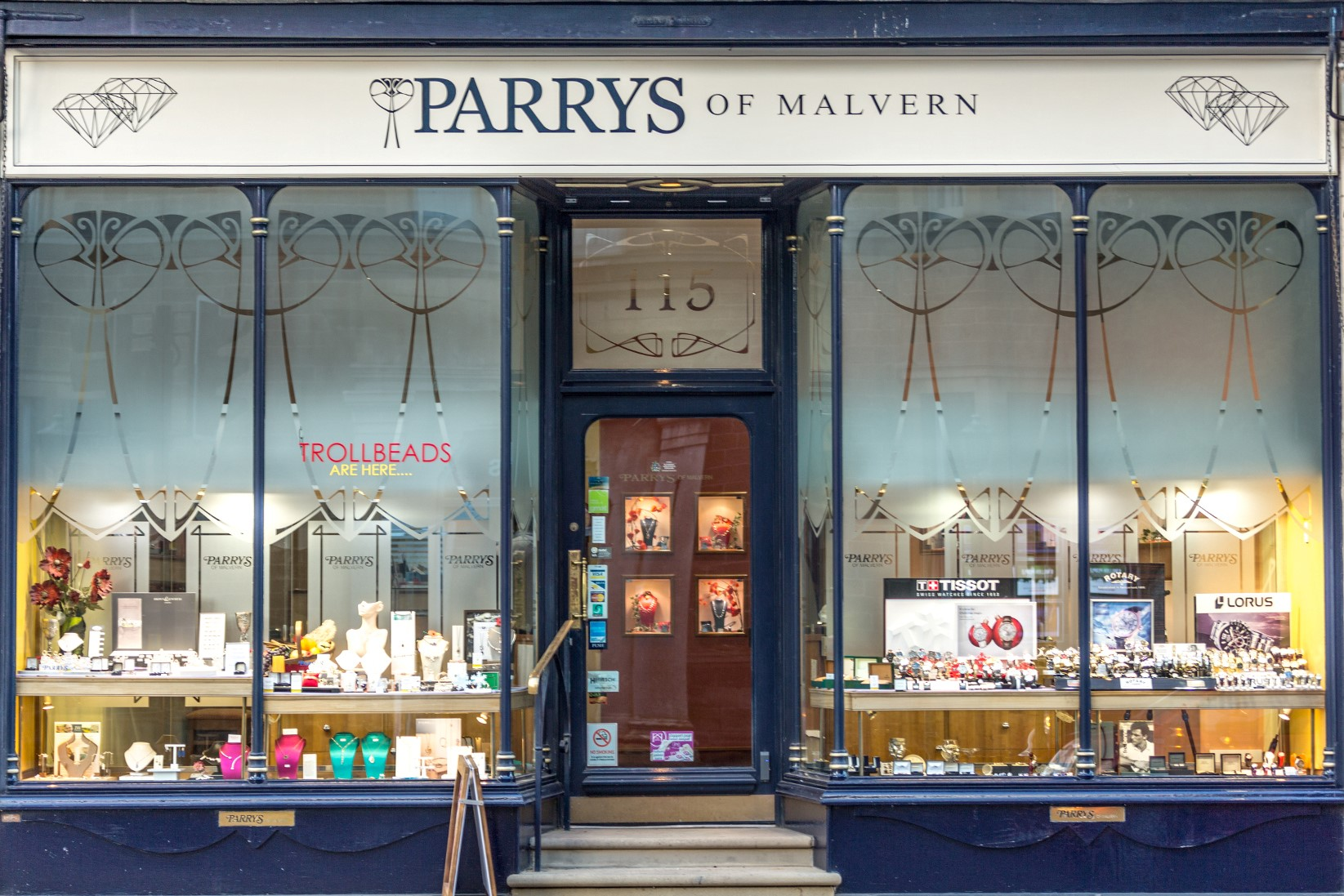 Parrys-of-Malvern-Shop-Front