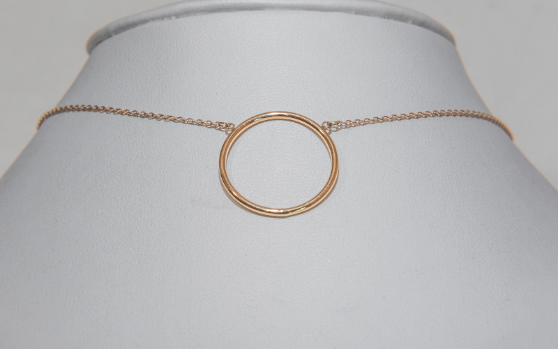 gold-circle-necklace